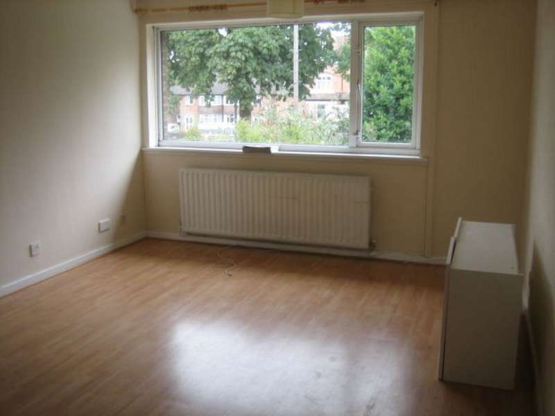 2 Bedrooms Maisonette Flat for sale in Chester Road, Erdington B24