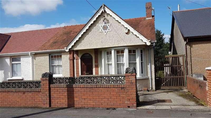 2 Bedrooms Semi Detached Bungalow for sale in Pencaecrwn Road, Gorseinon