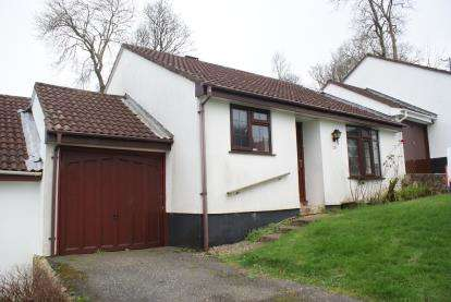 2 Bedrooms Bungalow for sale in Whiterock Road, Wadebridge, Cornwall