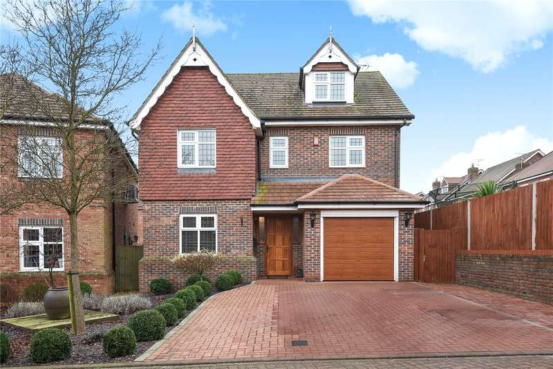 5 Bedrooms Detached House for sale in Flora Close, Stanmore, Middlesex, HA7
