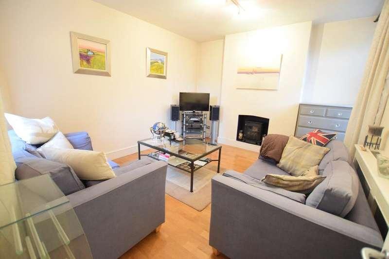 3 Bedrooms Flat for rent in Renfrew Road, London SE11