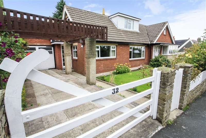 4 Bedrooms Detached Bungalow for sale in North Cross Road, Cowcliffe, Huddersfield