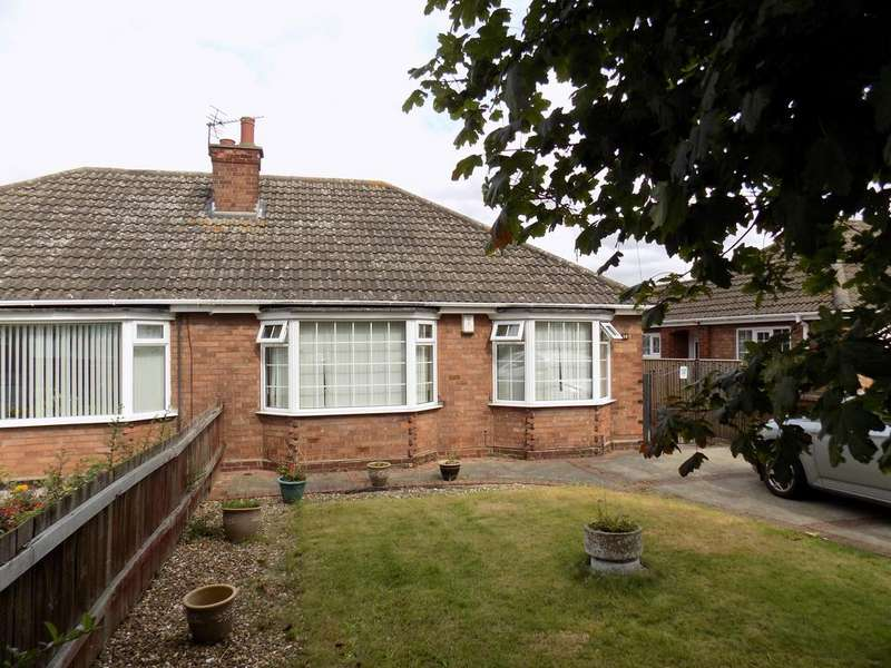 3 Bedrooms Semi Detached Bungalow for sale in Manby Road, Immingham DN40