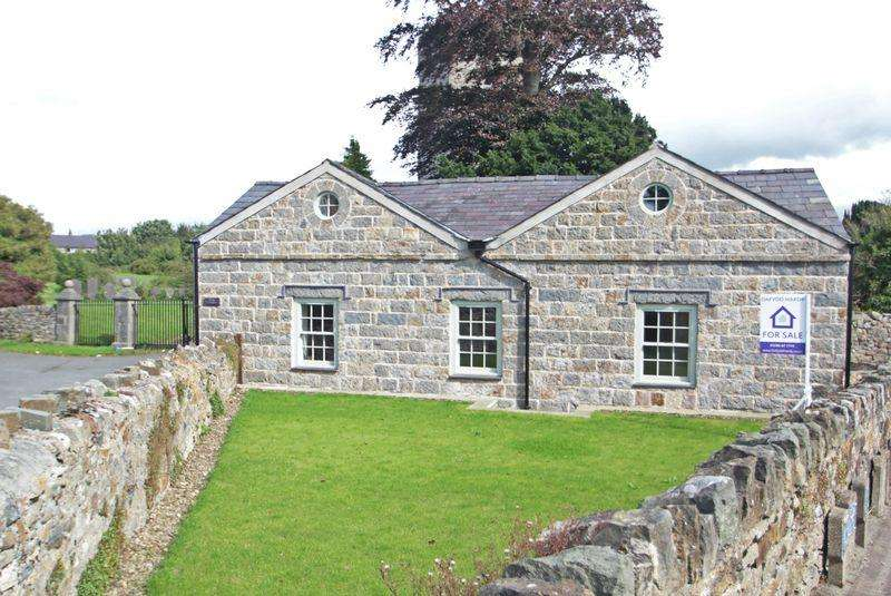 2 Bedrooms Cottage House for sale in Caernarfon, Gwynedd
