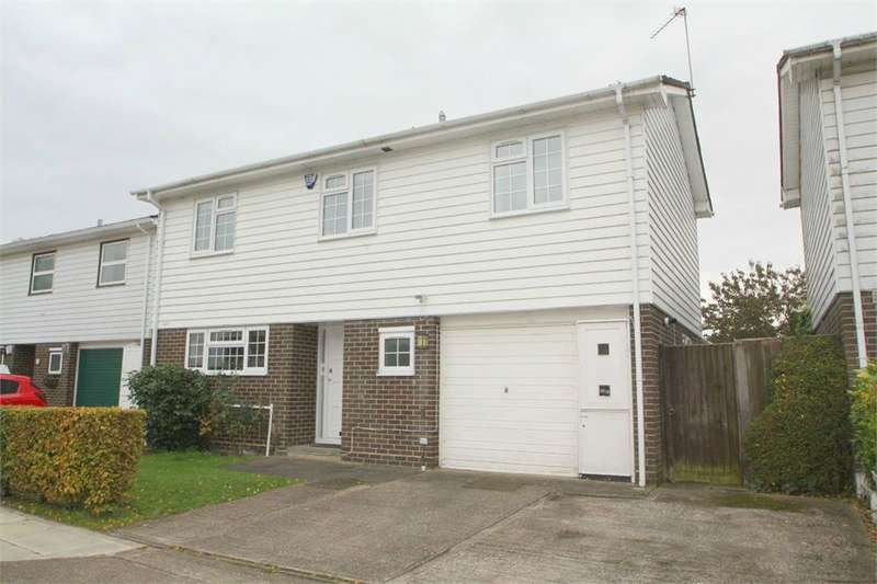 3 Bedrooms Detached House for sale in Pond Close, Harefield, Middlesex