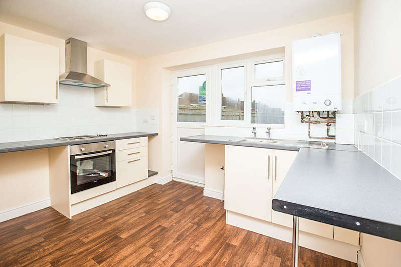 2 Bedrooms Semi Detached House for rent in Cobham Close, Yapton, Arundel, BN18