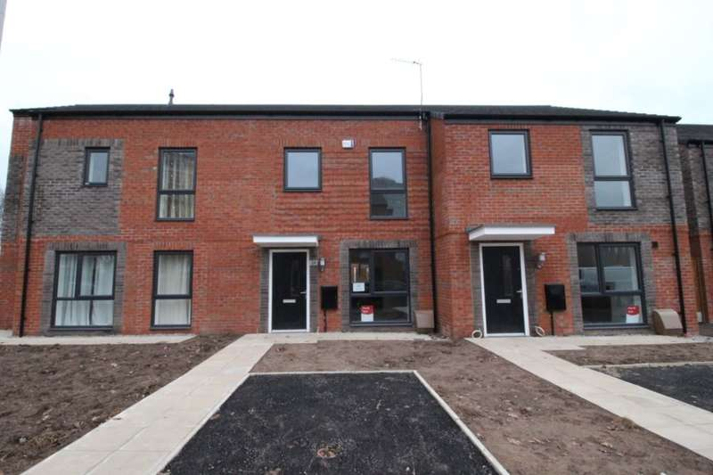 2 Bedrooms Property for rent in Landos Road, Manchester, M40