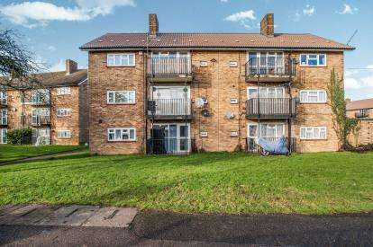 2 Bedrooms Flat for sale in St. Albans Road, Hemel Hempstead, Hertfordshire, .