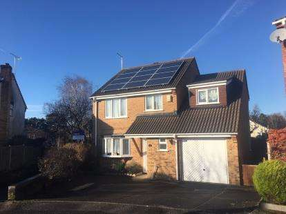 4 Bedrooms Detached House for sale in Canford Heath, Poole, Dorsert