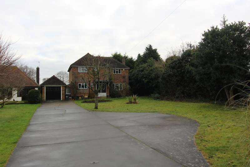 3 Bedrooms Detached House for sale in Chelsfield Lane, Orpington, Kent, BR6 7RR