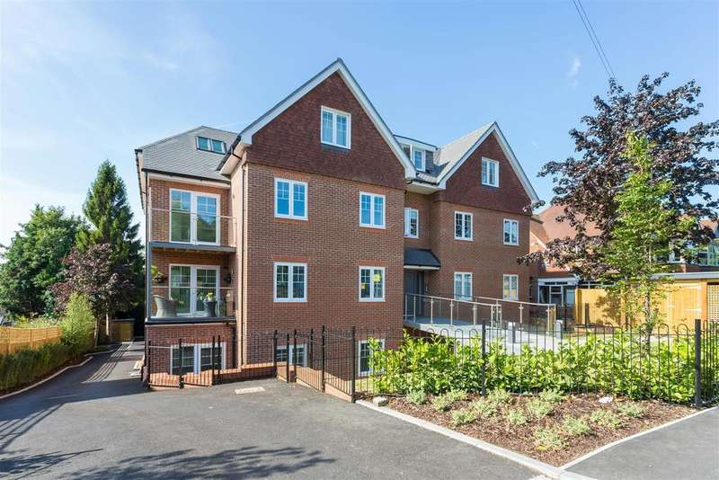 2 Bedrooms Flat for sale in West Wycombe Road, High Wycombe