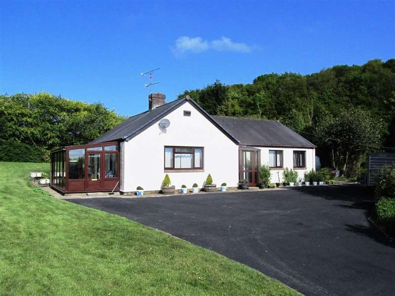 3 Bedrooms Detached House for sale in Llanerfyl, Welshpool, SY21