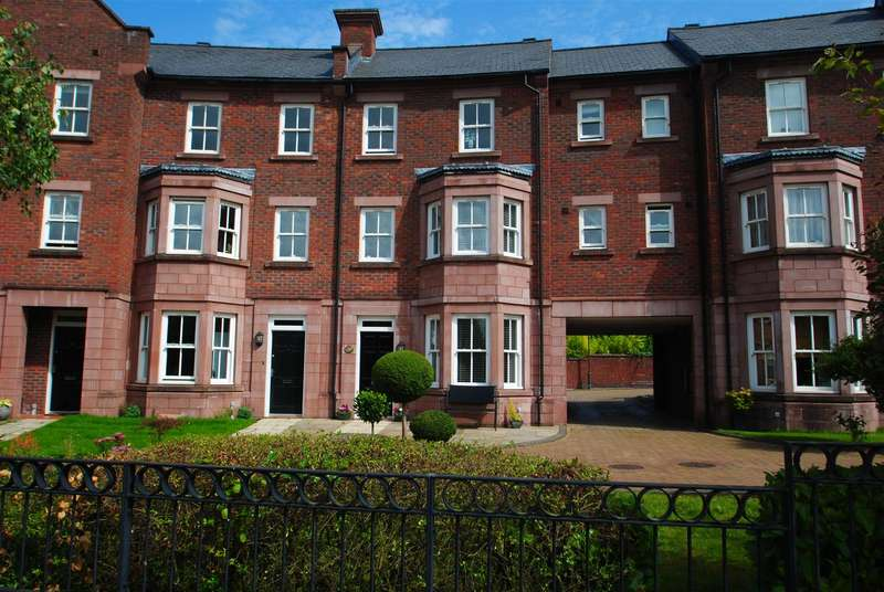 3 Bedrooms Town House for sale in Stansfield Drive, GRAPPENHALL HEYS,, Warrington, WA4