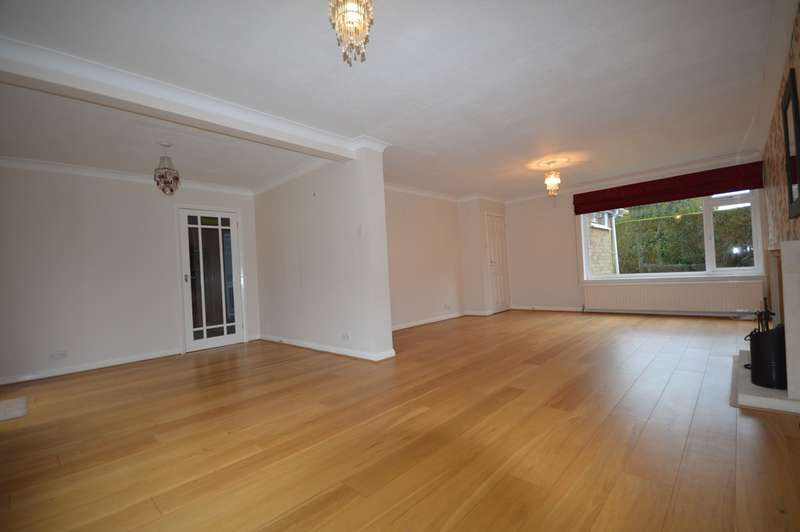 4 Bedrooms Detached House for rent in Reigate, Surrey