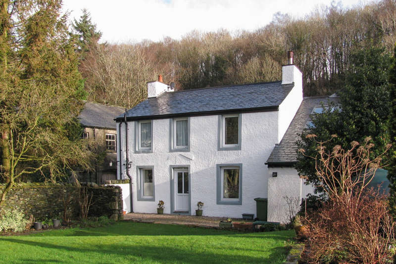 5 Bedrooms Detached House for sale in Logwood House & Cottage, Mealbank, Kendal, Cumbria, LA8 9DJ
