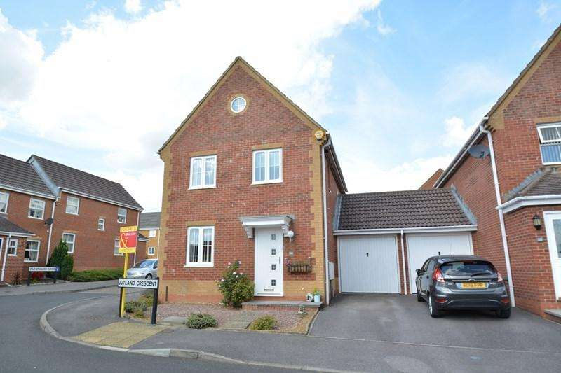 3 Bedrooms Link Detached House for sale in Jutland Crescent, Andover