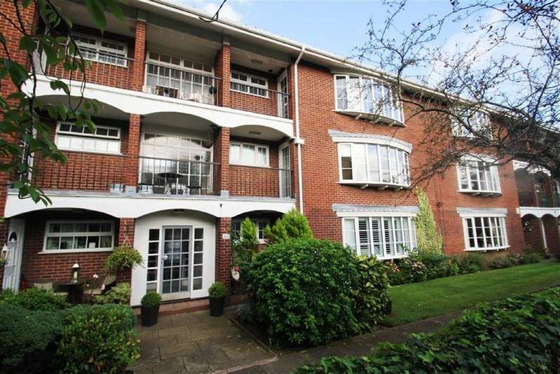 2 Bedrooms Apartment Flat for sale in Pownall Court, Wilmslow