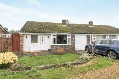 3 Bedrooms Bungalow for sale in Greenway View, Gresford, Wrexham, Wrecsam, LL12