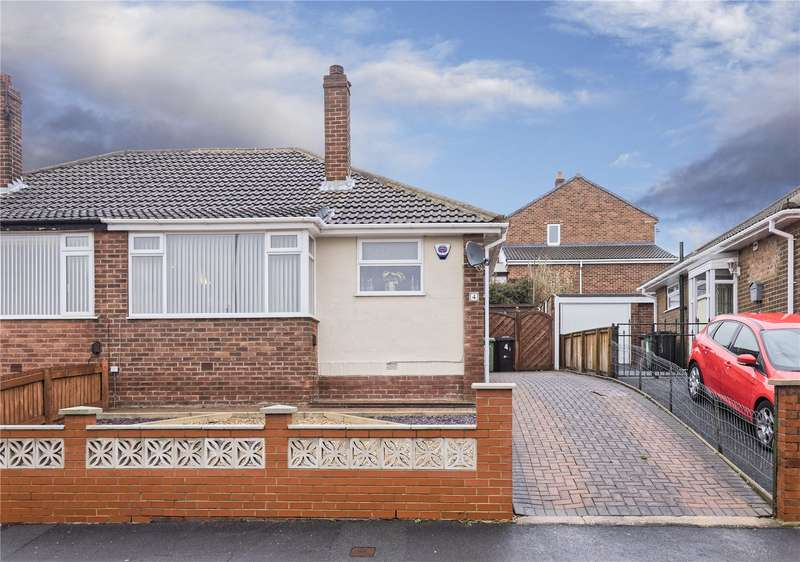 2 Bedrooms Semi Detached Bungalow for sale in Spring Valley View, Leeds, West Yorkshire, LS13