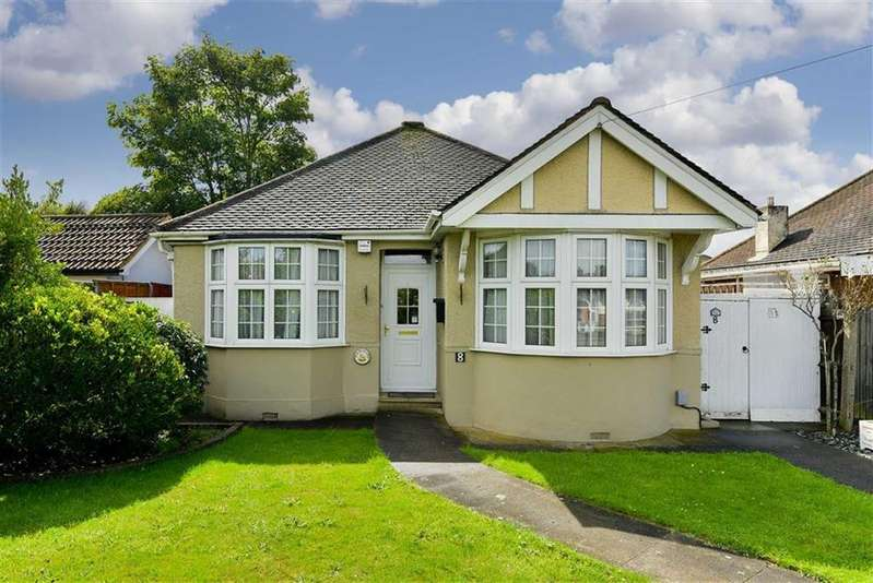 2 Bedrooms Detached Bungalow for sale in Devon Way, West Ewell, Surrey