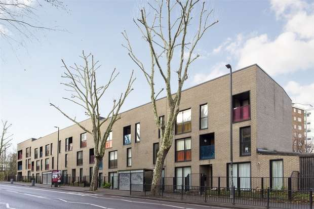 2 Bedrooms Flat for sale in Seven Sisters Road, South Tottenham, N15