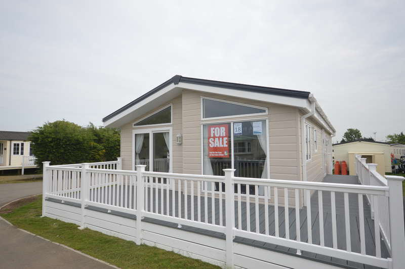 2 Bedrooms Lodge Character Property for sale in Steeple Bay Holiday Park, Canney Road
