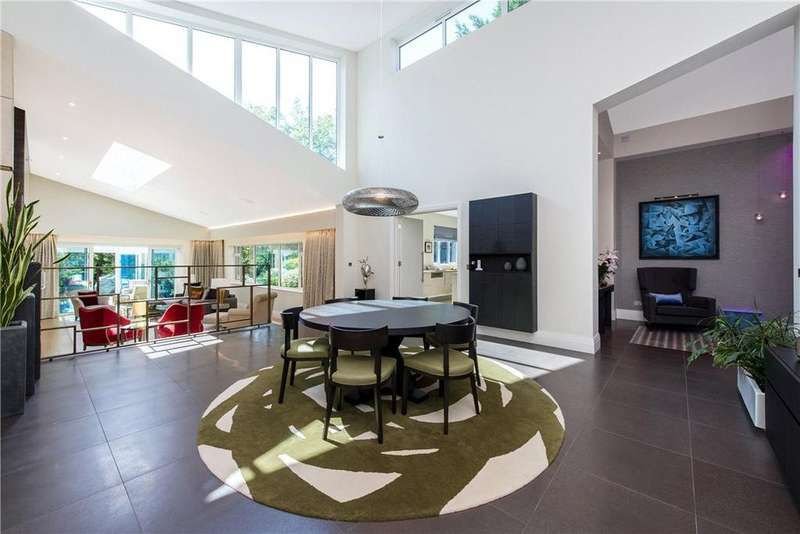 4 Bedrooms Detached House for sale in Chatsworth Avenue, London, NW4
