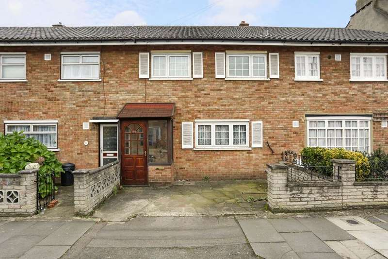 3 Bedrooms Property for sale in St. Marys Road, Ilford, IG1