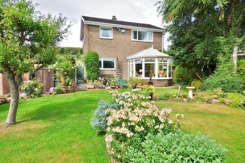 3 Bedrooms Detached House for sale in West Lane, Baildon, Shipley, BD17