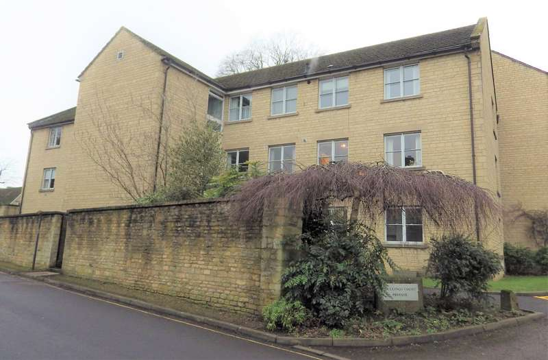 3 Bedrooms Flat for rent in Mullings Court