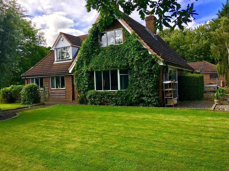 4 Bedrooms Detached Bungalow for sale in Welshpool Road, Ford, Shrewsbury