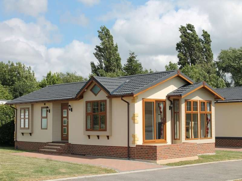 2 Bedrooms Detached Bungalow for sale in Wyre Country Park Wardleys Lane, Hambleton, Poulton-Le-Fylde, FY6