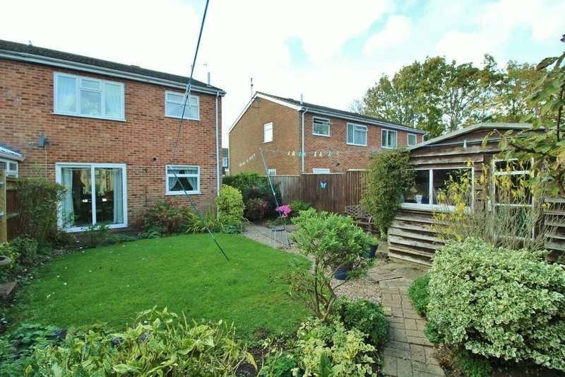 3 Bedrooms Semi Detached House for sale in Sandpiper Walk, Eastbourne, BN23