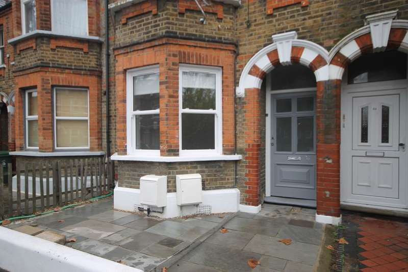 1 Bedroom Flat for sale in Edward Road, Walthamstow, London, E17