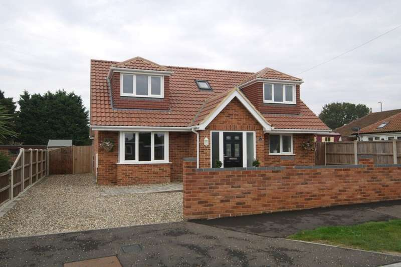 3 Bedrooms Detached Bungalow for sale in Aerodrome Road, Thorpe St Andrew, Norwich, NR7