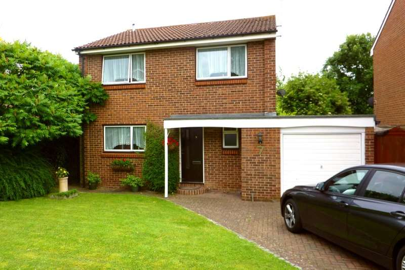 4 Bedrooms Detached House for rent in Stephen Close, Orpington, BR6