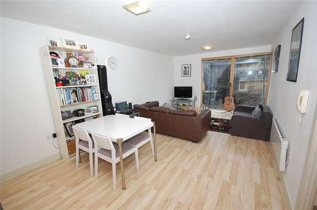 2 Bedrooms Flat for sale in Vie Buildings, Water Street, Castlefield