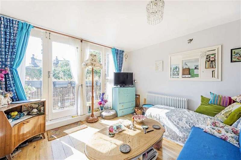 1 Bedroom Maisonette Flat for sale in Bowater Close, Brixton, London, SW2