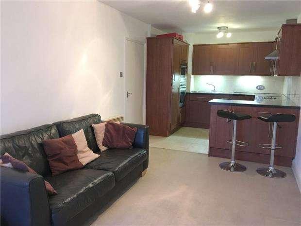 1 Bedroom Flat for sale in Battersea, London, SW11