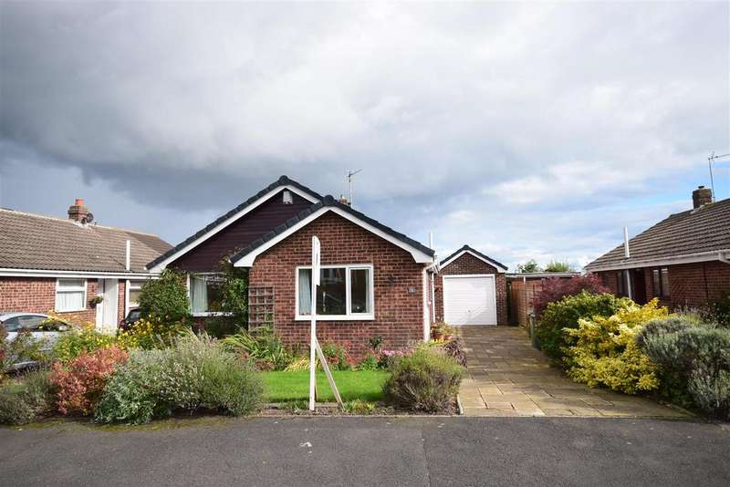 3 Bedrooms Detached Bungalow for sale in Runswick Close, Tunstall, Sunderland