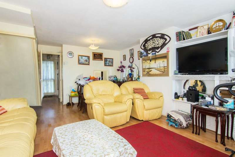3 Bedrooms House for sale in Dolphin Road, Northolt