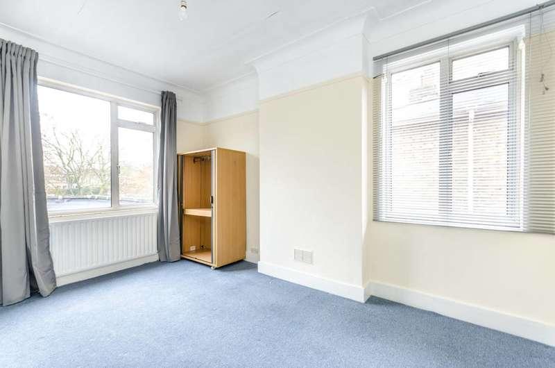 4 Bedrooms Flat for rent in Peckham Rye, Peckham, SE15