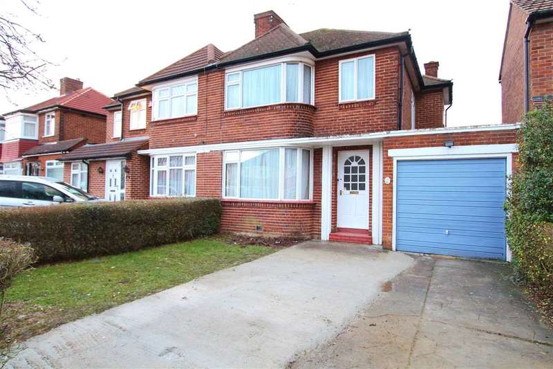 3 Bedrooms Semi Detached House for rent in Kynance Gardens, Stanmore