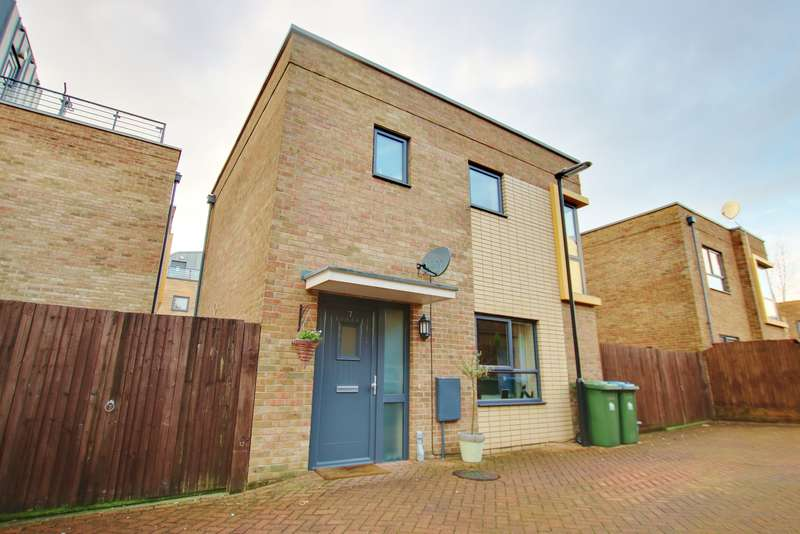 2 Bedrooms Semi Detached House for sale in MODERN BUILD! VENDOR SUITED! OPEN PLAN LIVING!