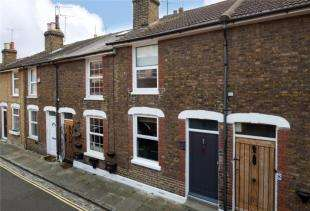 2 Bedrooms Terraced House for sale in Eastgate Terrace, Rochester, Kent