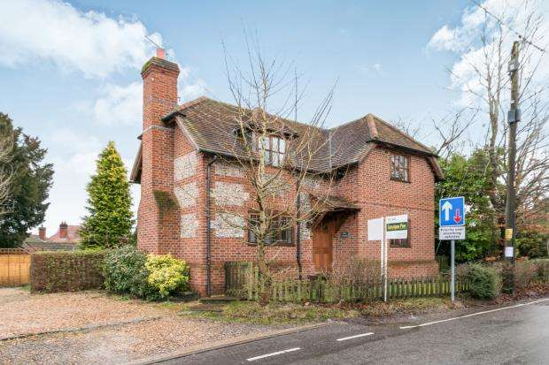 3 Bedrooms Detached House for sale in Old Basing, Basingstoke, Hampshire
