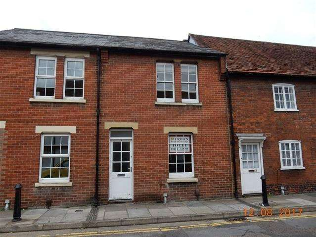 3 Bedrooms Terraced House for rent in Trinity Street, Salisbury