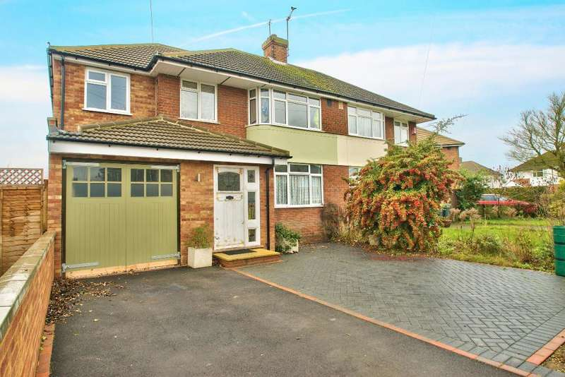 4 Bedrooms Semi Detached House for sale in Risborough Road, Bedford, MK41 9QR