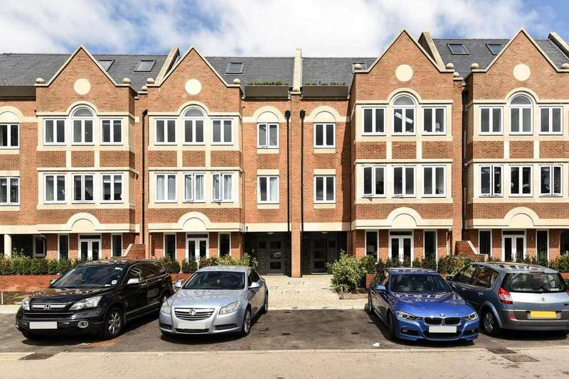 1 Bedroom Flat for sale in Ealing Green, Ealing