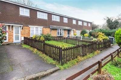 3 Bedrooms Terraced House for rent in Kimptons Mead, EN6 3HY